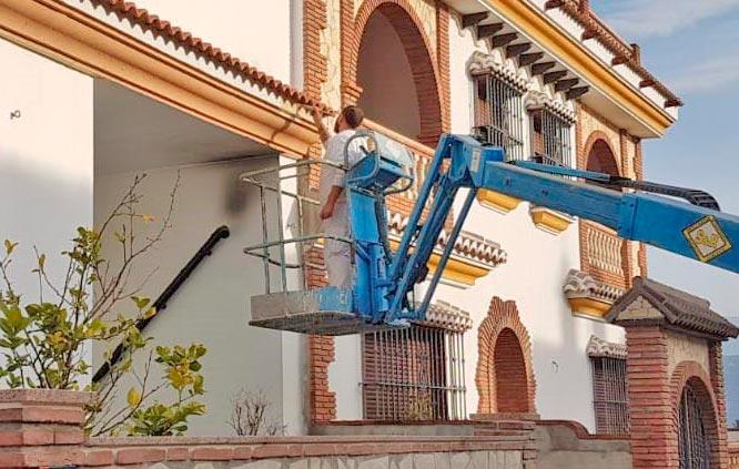 limpiezas-torre-del-mar-virgen-del-carmen-malaga-limpiezas-trabajos-verticales-en-altura